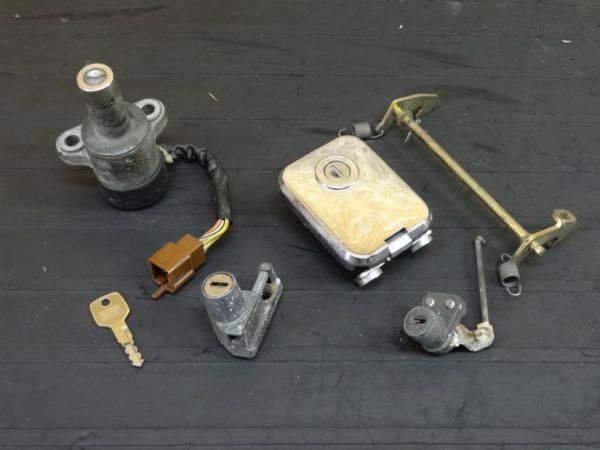 【151217】エリミネーター400(ZL400A)◆キーセット メインSW 鍵 | 中古バイクパーツ通販・買取 ジャンクヤード鳥取 JunkYard