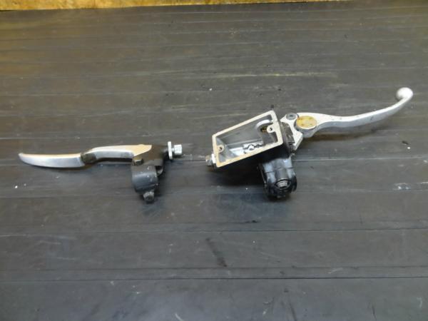 【160919】バンディット400(GK75A)◆レバーホルダー マスター | 中古バイクパーツ通販・買取 ジャンクヤード鳥取 JunkYard