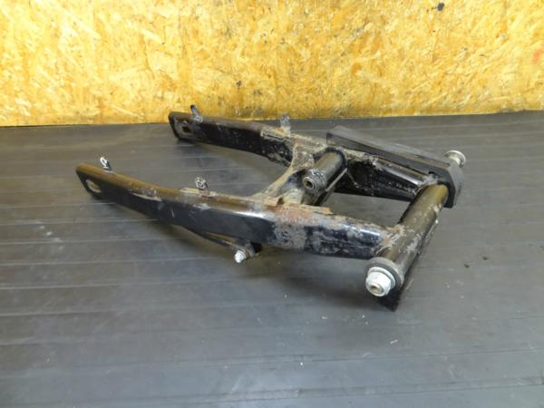 【160919】バンディット400(GK75A)◆スイングアーム ピボット | 中古バイクパーツ通販・買取 ジャンクヤード鳥取 JunkYard