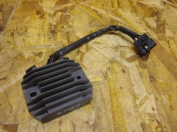 バルカン400クラシック(VN400A-020)◎レギュレター | 中古バイクパーツ通販・買取 ジャンクヤード鳥取 JunkYard