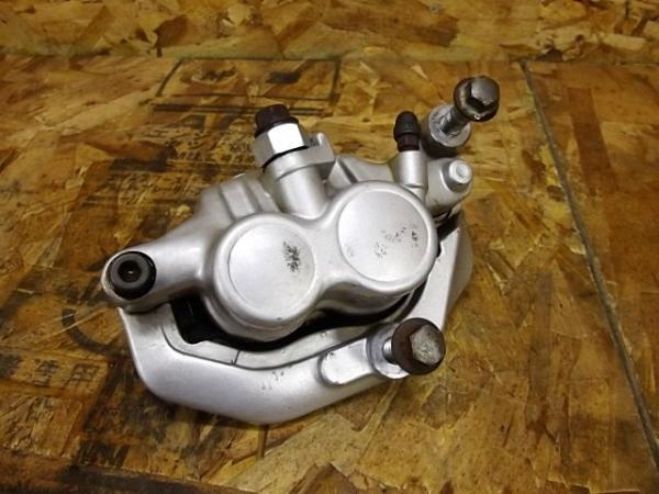 ドラッグスター400C(4TR-102)◎フロントブレーキキャリパー | 中古バイクパーツ通販・買取 ジャンクヤード鳥取 JunkYard