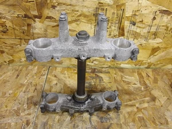 KLX250ES(LX250E-300)◎純正ステム トップブリッジ | 中古バイクパーツ通販・買取 ジャンクヤード鳥取 JunkYard