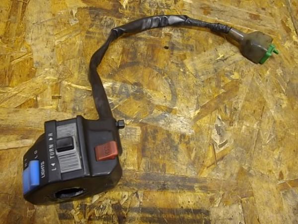 Dトラッカー(LX250E-A01)◎ハンドルスイッチ 左 ウインカー | 中古バイクパーツ通販・買取 ジャンクヤード鳥取 JunkYard