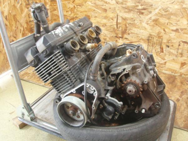 ZRX400(ZR400E-011)☆エンジン シリンダー カバー 【ZRX-Ⅱ | 中古バイクパーツ通販・買取 ジャンクヤード鳥取 JunkYard