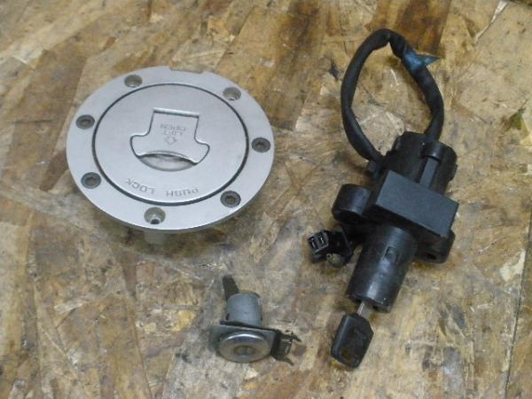CBR250RR(MC22-1007)◎キーセット メインスイッチ シートロック | 中古バイクパーツ通販・買取 ジャンクヤード鳥取 JunkYard
