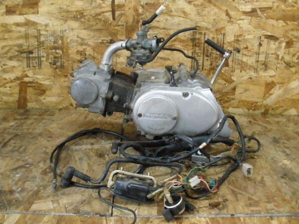 DAX50(ST50-6304)◇エンジン キャブレター 4速クラッチ付 6V | 中古バイクパーツ通販・買取 ジャンクヤード鳥取 JunkYard