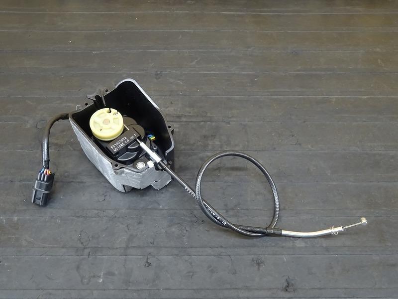 【200701】1199パニガーレS '12■ 排気バルブモーター 排気デバイスモーター サーボモーター ワイヤー 【ドゥカティ スーパーバイク ABS付 | 中古バイクパーツ通販・買取 ジャンクヤード鳥取 JunkYard