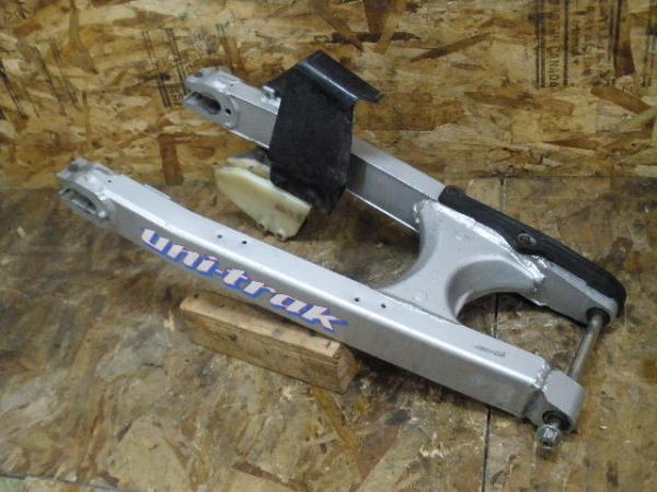 KDX250SR(DX250F-001)◇純正スイングアーム ピボット | 中古バイクパーツ通販・買取 ジャンクヤード鳥取 JunkYard