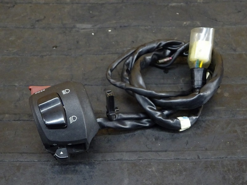 【200914】YZF-R3 ABS(RH07J-003)◇ ハンドルスイッチ左 スイッチボックス左 ※検:YZF-R25 | 中古バイクパーツ通販・買取 ジャンクヤード鳥取 JunkYard
