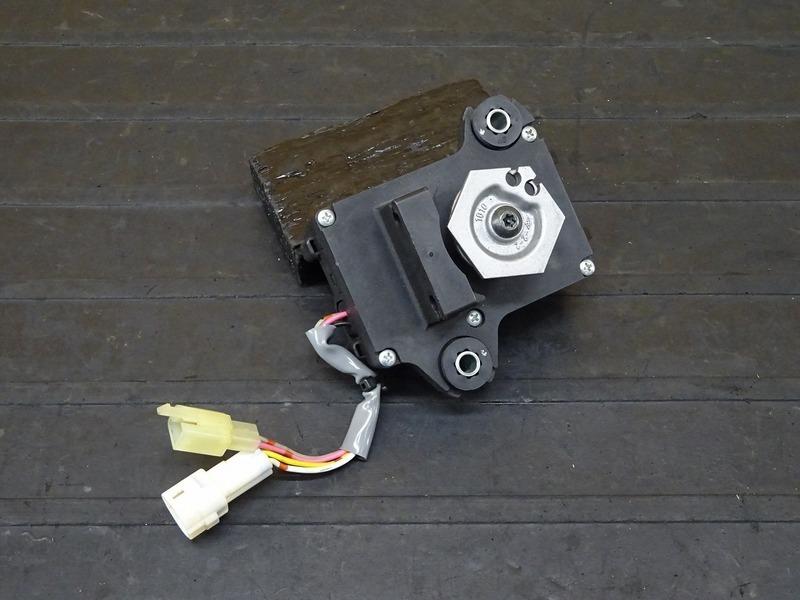 【201101】ZRX1200D(ZRT20D-001)■ 排気バルブモーター 排気デバイスモーター サーボモーター 【DAEG ダエグ | 中古バイクパーツ通販・買取 ジャンクヤード鳥取 JunkYard