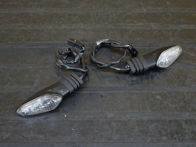 【201201】1199パニガーレR '14◇ リアウインカー 左右セット 【ドゥカティ スーパーバイク ABS付 | 中古バイクパーツ通販・買取 ジャンクヤード鳥取 JunkYard