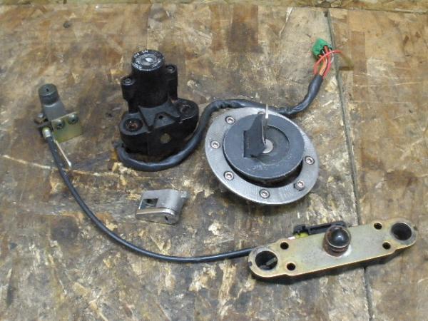 バンディット250V(GJ77A-109)◎キーセット メインキー キャップ   中古バイクパーツ通販・買取 ジャンクヤード鳥取 JunkYard
