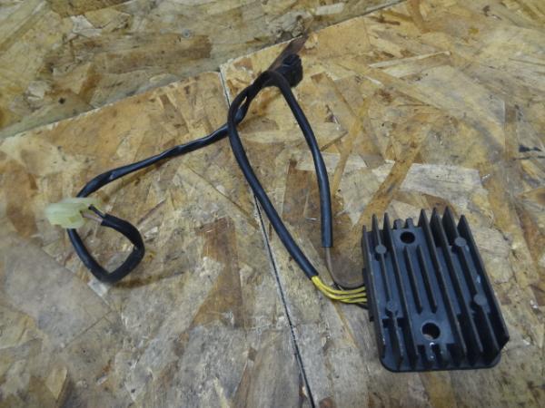 Dトラッカー(LX250E-A05)◎レギュレター レギュレーター | 中古バイクパーツ通販・買取 ジャンクヤード鳥取 JunkYard