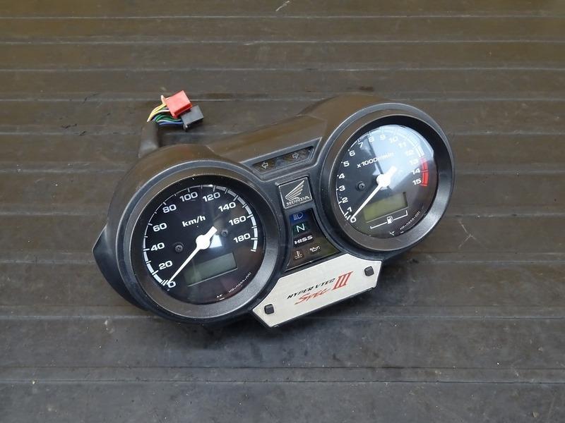 【210303】CB400SB(NC39-1206)■ スピードメーター タコメーター 39747㎞ 【スーパーボルドール CB400SF Vtec3 スペックⅢ | 中古バイクパーツ通販・買取 ジャンクヤード鳥取 JunkYard