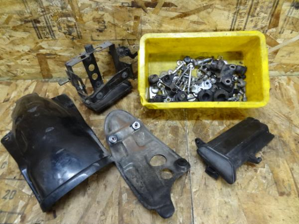 SR500(2J2-185)◇エンジンガード バッテリーBOX ボルトセット | 中古バイクパーツ通販・買取 ジャンクヤード鳥取 JunkYard