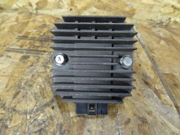 バリオス250(ZR250A-035)◎レギュレター レギュレーター | 中古バイクパーツ通販・買取 ジャンクヤード鳥取 JunkYard