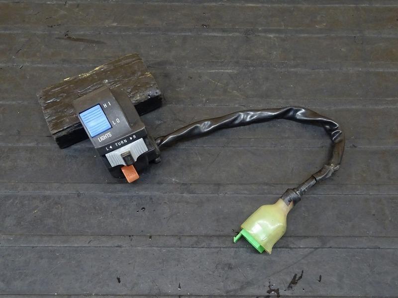 【210518】Dトラッカー/250SB■ ハンドルスイッチ左 スイッチボックス左 ※検:KLX250 LX250E LX250L 【後期 | 中古バイクパーツ通販・買取 ジャンクヤード鳥取 JunkYard