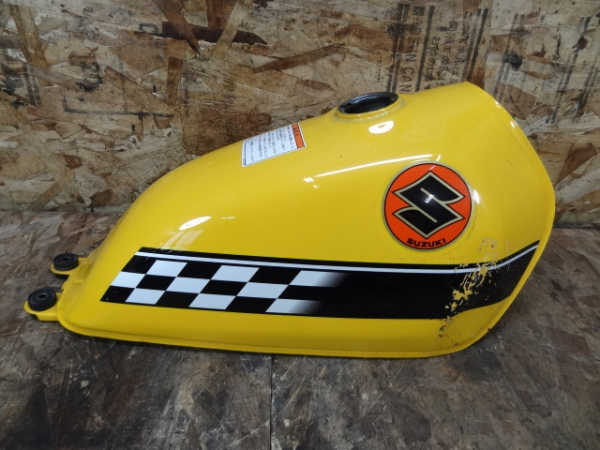 グラストラッカーBB(NJ47A-124)◎ガソリンタンク 燃料 黄 フラッグ   中古バイクパーツ通販・買取 ジャンクヤード鳥取 JunkYard