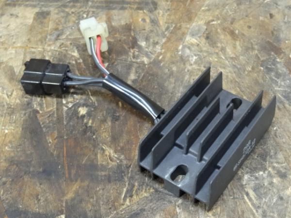 グラストラッカーBB(NJ47A-124)◎レギュレター レギュレーター | 中古バイクパーツ通販・買取 ジャンクヤード鳥取 JunkYard