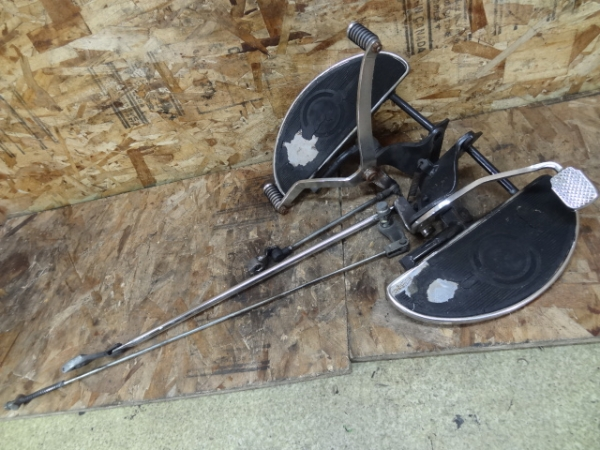 ドラッグスター400C(4TR-113)◎社外ステップボード ペダルロッド | 中古バイクパーツ通販・買取 ジャンクヤード鳥取 JunkYard