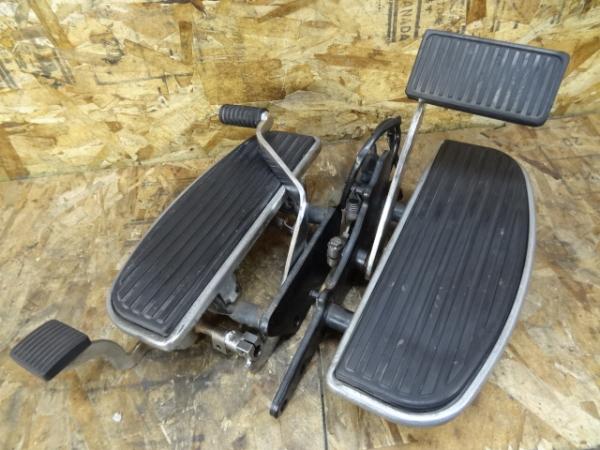 バルカン1500C(VNT50D-002)◎純正ステップボード メインシーソー | 中古バイクパーツ通販・買取 ジャンクヤード鳥取 JunkYard