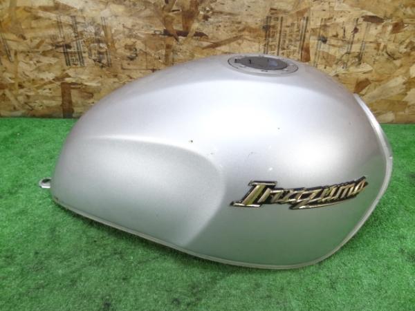 イナズマ400(GK7BA-102)◇ガソリンタンク 燃料 タンクキャップ | 中古バイクパーツ通販・買取 ジャンクヤード鳥取 JunkYard