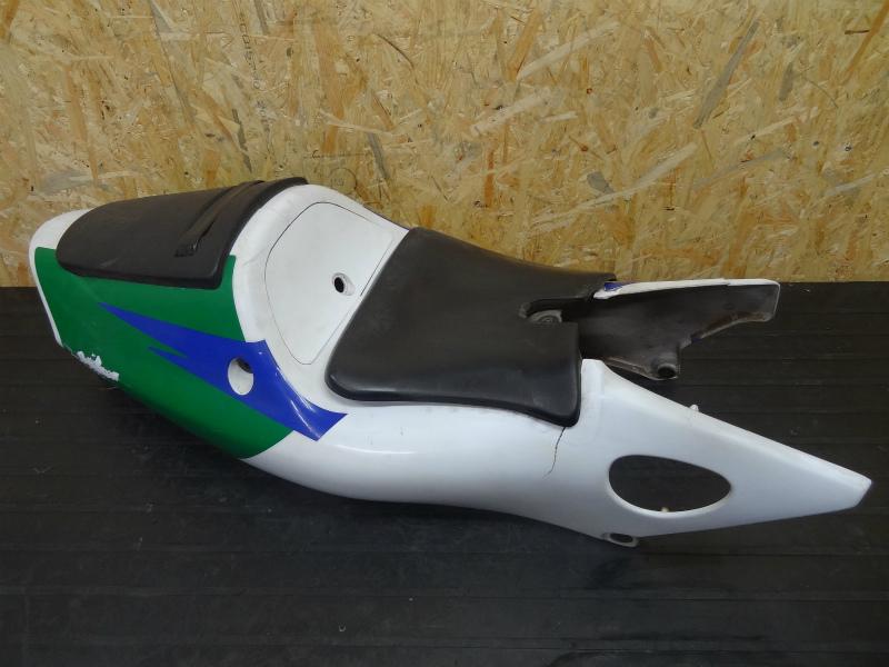 《140515》NSR250R-SE(MC28)◇シートカウル左右 テールランプ | 中古バイクパーツ通販・買取 ジャンクヤード鳥取 JunkYard