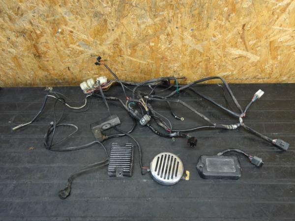 【160219】FXSTC1340◇メインハーネス CDI レギュレーター 難有 | 中古バイクパーツ通販・買取 ジャンクヤード鳥取 JunkYard