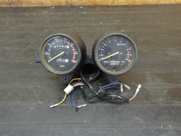 【160623】XT250(3Y5)◆メーターユニット スピード/タコ インジ | 中古バイクパーツ通販・買取 ジャンクヤード鳥取 JunkYard