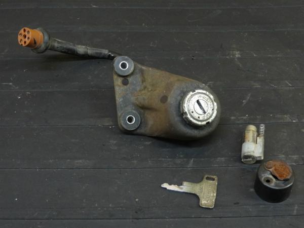 【160805】CB350◇キーセット メインSW 鍵 【エクスポート | 中古バイクパーツ通販・買取 ジャンクヤード鳥取 JunkYard