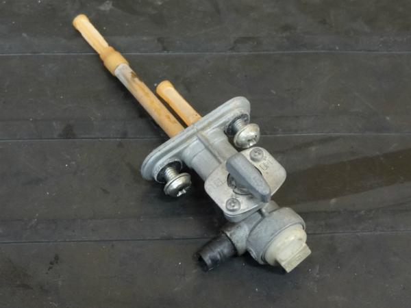 【161215】DT200R(37F)◇フューエルコック 燃料 ガソリン 難有 | 中古バイクパーツ通販・買取 ジャンクヤード鳥取 JunkYard