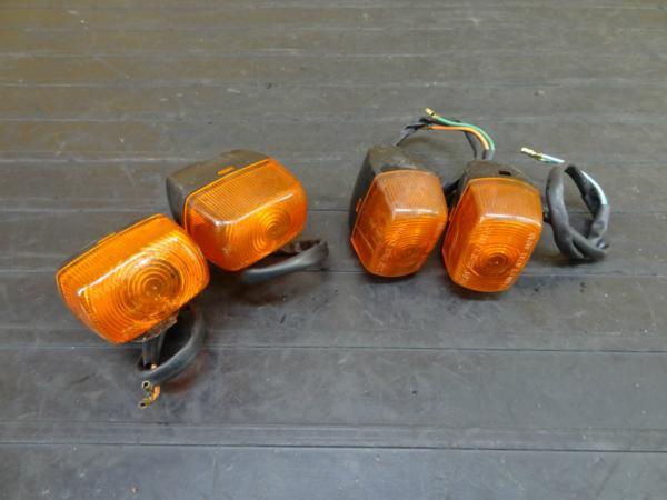 【170327】NS-1(AC12-1035)◆ウインカーセット 1台分 ステー付き レンズ | 中古バイクパーツ通販・買取 ジャンクヤード鳥取 JunkYard