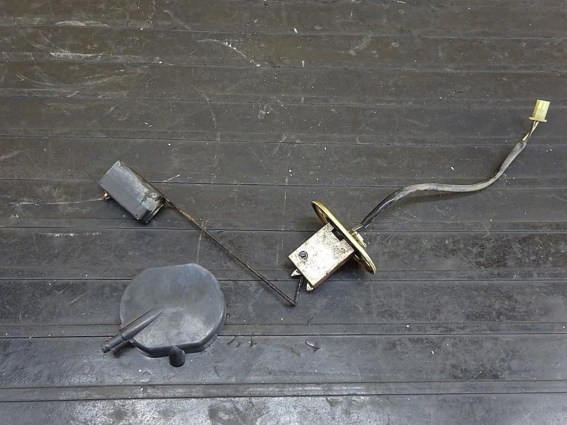 【190522.K】GPZ400F(ZX400A)● 燃料ゲージ 燃料計 燃料センサー 【GPZ400 | 中古バイクパーツ通販・買取 ジャンクヤード鳥取 JunkYard