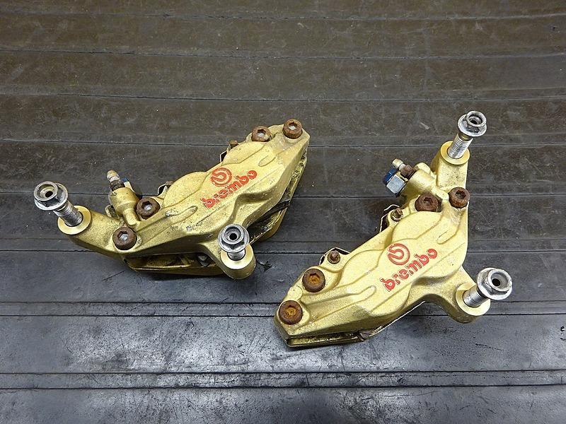 【200302】GSX400インパルス(GK7CA-100)■ フロントブレーキキャリパー左右セット brembo ブレンボ 100㎜ | 中古バイクパーツ通販・買取 ジャンクヤード鳥取 JunkYard