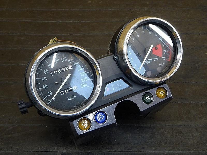 【200317】ZRX1100(ZRT10C-012)◇ スピードメーター 260㎞メーター タコメーター インジケーターランプ 10858㎞ | 中古バイクパーツ通販・買取 ジャンクヤード鳥取 JunkYard