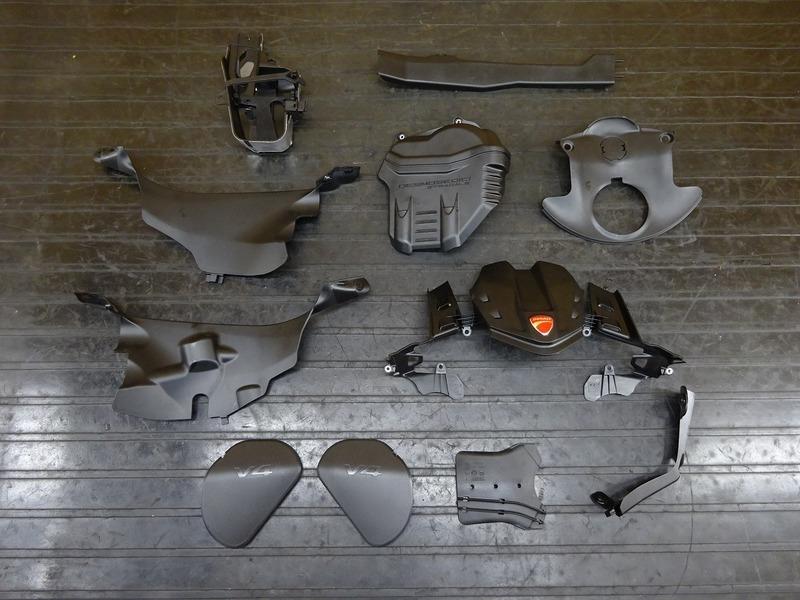 【201017】パニガーレ V4 '20◇ カバーセット エンジンカバー インナーカウル フレームカバー 新古車外し!? ※検:V4S V4R | 中古バイクパーツ通販・買取 ジャンクヤード鳥取 JunkYard