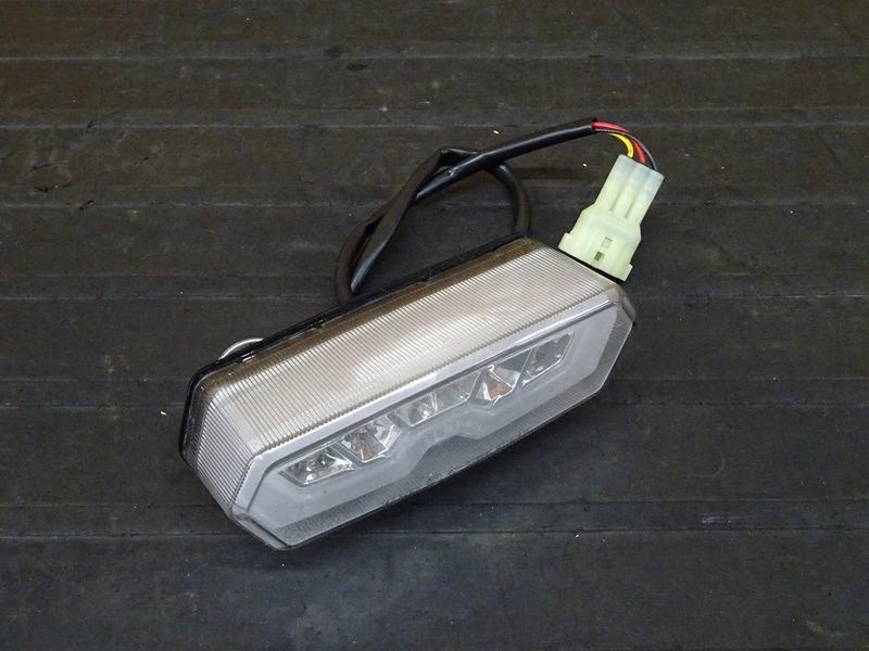 【210409】GROM(JC61-1102)■ 社外LEDテールランプ ブレーキランプ クリア KITACO?? キタコ?? 【グロム 前期 MSX125 JC75 | 中古バイクパーツ通販・買取 ジャンクヤード鳥取 JunkYard