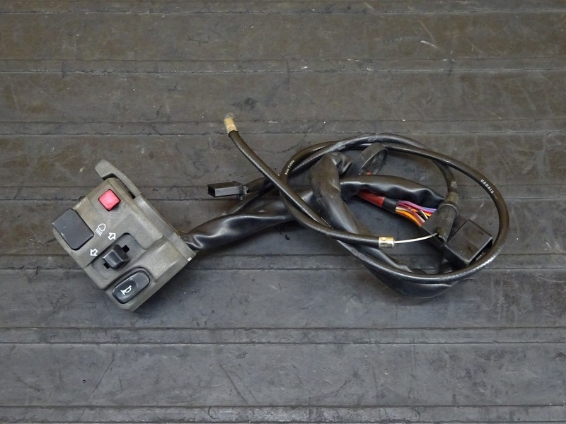 【210611】ZRX1200R(ZRT20A-050)◇ ハンドルスイッチ左 スイッチボックス左 【イモビ付   中古バイクパーツ通販・買取 ジャンクヤード鳥取 JunkYard