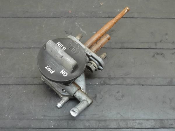 【140605】ZXR250(ZX250A)◎ガソリンコック 燃料 フューエル | 中古バイクパーツ通販・買取 ジャンクヤード鳥取 JunkYard