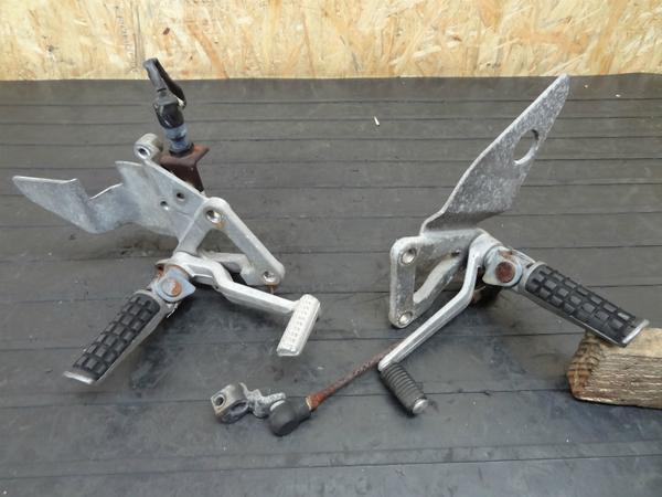 【140605】ZXR250(ZX250A)◎純正メインステップ 左右 ペダル | 中古バイクパーツ通販・買取 ジャンクヤード鳥取 JunkYard