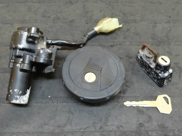 【150312】スーパーシェルパ(KL250G)◎キーセット メインSW 鍵 | 中古バイクパーツ通販・買取 ジャンクヤード鳥取 JunkYard
