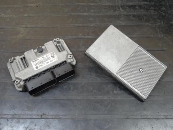 【150420】BMW R1200S◆ECU ZFE(BASIC)12V コントロールユニット | 中古バイクパーツ通販・買取 ジャンクヤード鳥取 JunkYard