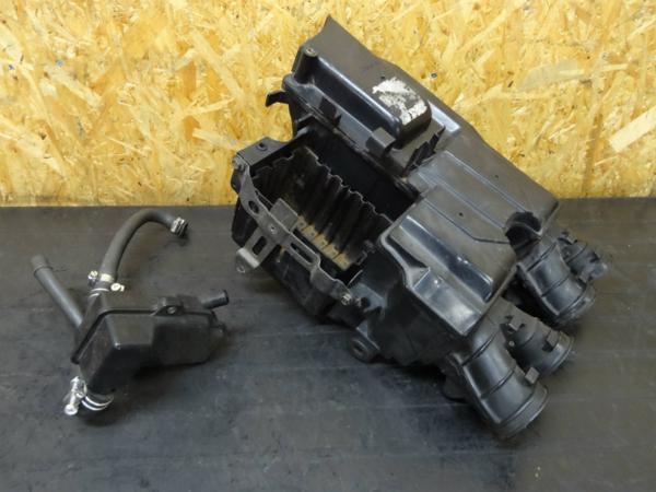 【150131】CB750(RC42)◇エアクリーナーボックス バッテリー | 中古バイクパーツ通販・買取 ジャンクヤード鳥取 JunkYard