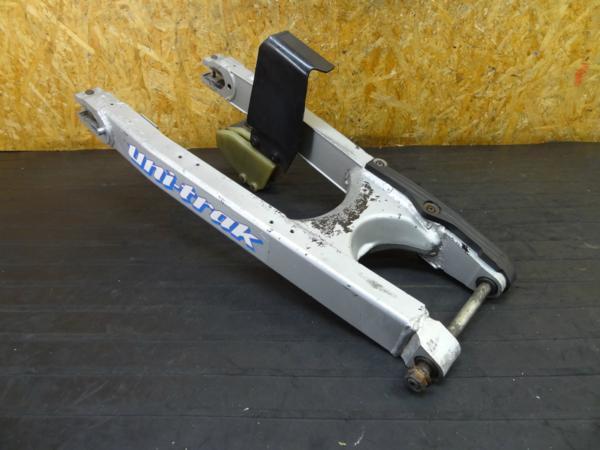 【160309】KDX250(DX250F)◆スイングアーム カバー/スライダー | 中古バイクパーツ通販・買取 ジャンクヤード鳥取 JunkYard