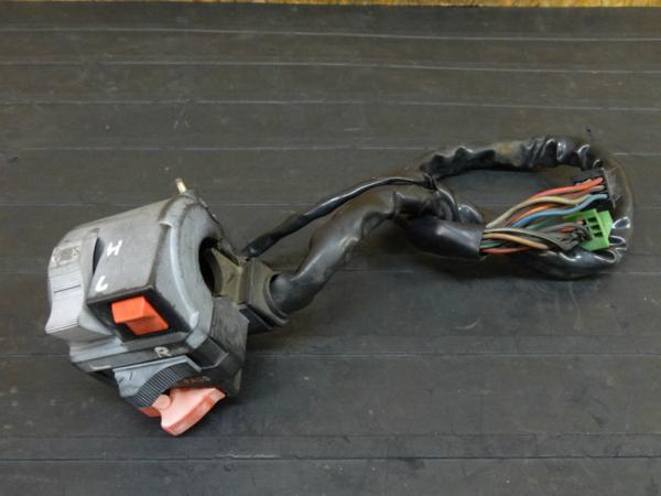 【160903】GPZ400F(ZX400A)◇ハンドルスイッチ 左 ハザード | 中古バイクパーツ通販・買取 ジャンクヤード鳥取 JunkYard