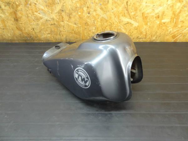 【161211】TW200(2JL)◆ガソリンタンク 燃料 コック 難有 | 中古バイクパーツ通販・買取 ジャンクヤード鳥取 JunkYard