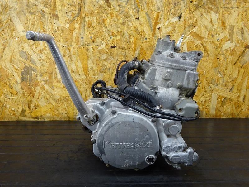 【200528】KDX250SR(DX250F-011)■ 中古エンジン 始動確認後取り外し!! ジェネレーター 8688㎞ 【F2 | 中古バイクパーツ通販・買取 ジャンクヤード鳥取 JunkYard