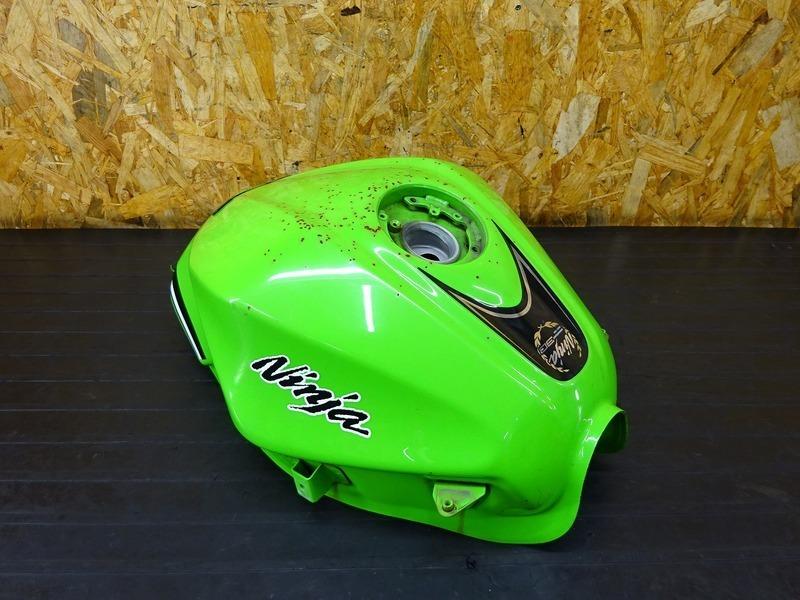 【201022】Ninja250 ABS(EX250L-013)■ 燃料タンク ガソリンタンク フューエルタンク 【NINJA ニンジャ | 中古バイクパーツ通販・買取 ジャンクヤード鳥取 JunkYard
