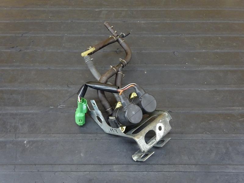 【210301】NSR250R SE(MC28-1006)■ ソレノイドバルブ ステー ※検:SP 乾式クラッチ | 中古バイクパーツ通販・買取 ジャンクヤード鳥取 JunkYard