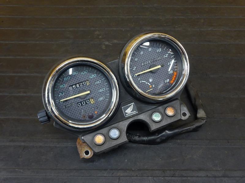 【210624】ホーネット250(MC31-1250)■ スピードメーター タコメーター インジケーターランプ 65420㎞ 【後期 燃料メーター付 | 中古バイクパーツ通販・買取 ジャンクヤード鳥取 JunkYard